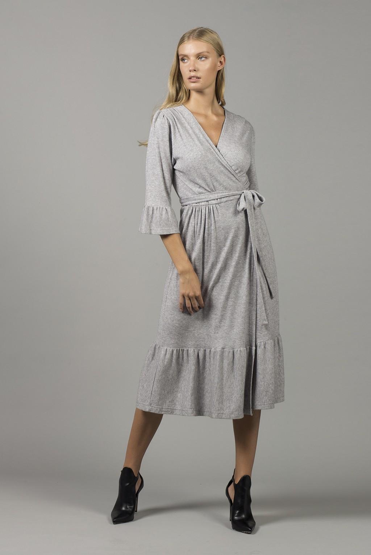 Φόρεμα πλεκτό κρουαζέ βολάν