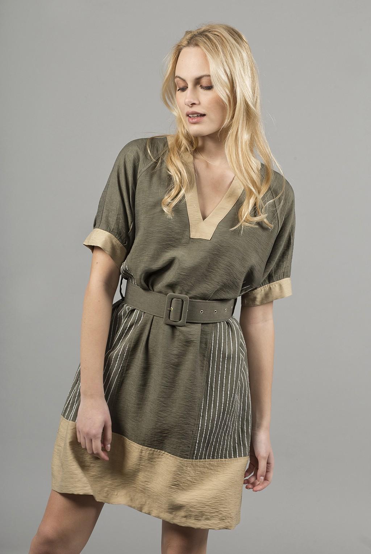 Φόρεμα 2χρωμο κ.μ.με ζώνη