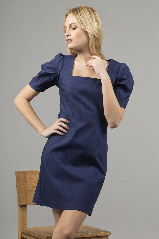 Φόρεμα κ.μ καρε τετραγωνο