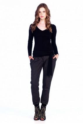 Παντελόνι με πιέτες και  ζώνη μέσης